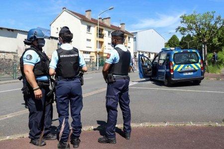 Un fost politist francez care s-a sinucis a scris in biletul de adio ca el este criminalul in serie si violatorul pe care autoritatile in cautau din anii '80
