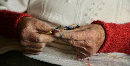 Cifrele saraciei! Doar 1,3% dintre varstnicii din Romania beneficiaza de servicii sociale