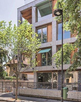 Cum arata unul dintre cele mai noi proiecte imobiliare de lux din Capitala, amplasat chiar in inima orasului. Preturile locuintelor urca de la 800.000 de euro pana la 3 milioane de euro