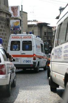Situatie disperata la UPU a Spitalului Sfantul <span style='background:#EDF514'>SPIRIDON</span> din Iasi: Ambulante in curtea spitalului