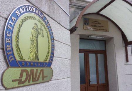 Doi angajati ANAf Ilfov, retinuti de DNA pentru luare de mita si trafic de influenta