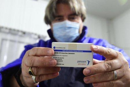 Alta afectiune rara de coagulare, posibil efect secundar al vaccinului Johnson & Johnson. EMA recomanda schimbarea prospectului