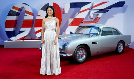 Emma Raducanu, senzationala pe covorul rosu! Ce tinuta a purtat la lansarea ultimului film din seria James Bond - FOTO