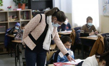 Ordinul comun al Ministerelor Sanatatii si Educatiei legat de functionarea scolilor va fi publicat vineri. Precizarile secretarului de stat Sorin Ion