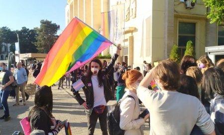 Mars al comunitatii LGBTQ la Iasi. Contramanifestantii au aruncat cu agheasma