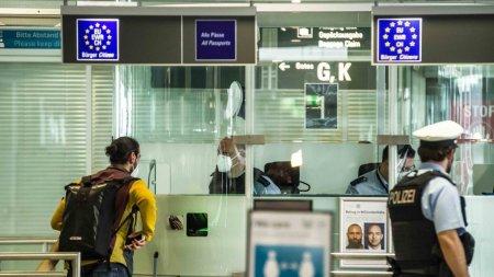 Aeroportul din <span style='background:#EDF514'>MUNCHEN</span>, evacuat dupa ce un barbat a fost prins cu un proiectil de mortiera in rucsac