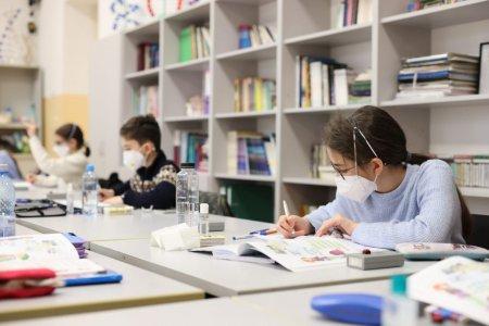 Noile reguli pentru scoli, valabile de luni. In ce conditii vor merge elevii la scoala potrivit ordinului comun semnat de ministerul Educatiei si Sanatatii