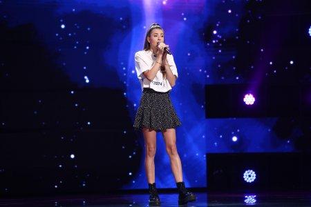 X Factor 2021, 1 octombrie. Alisa Iancu a fost pe placul <span style='background:#EDF514'>JURIU</span>lui cu interpretarea melodiei Skinny Love: Vazut, placut, votat