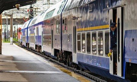 Trenuri cu intarzieri de pana la sase ore, din cauza unei avarii la alimentarea cu energie. Cursele afectate