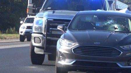 Drama pe autostrada, dupa ce o bucata de metal a strapuns parbrizul unei masini, in SUA. Inainte sa moara, soferul a facut un ultim gest