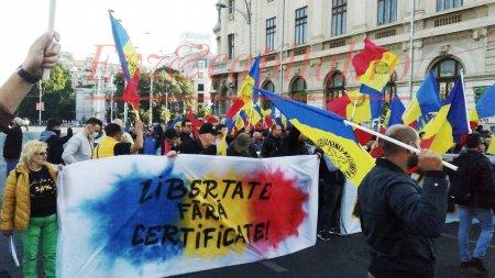 Proteste in Capitala! Oamenii se opun Certificatului Verde si cer demisia Guvernului