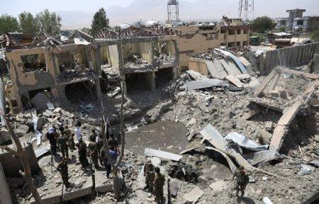 Bilantul atacului asupra unei moschei din <span style='background:#EDF514'>KABUL</span>: Cel putin 12 morti si 32 de raniti