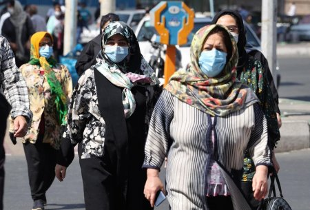 Fie murim de COVID, fie de foame. Loviti de noul val, iranienii si-au pierdut increderea in autoritati