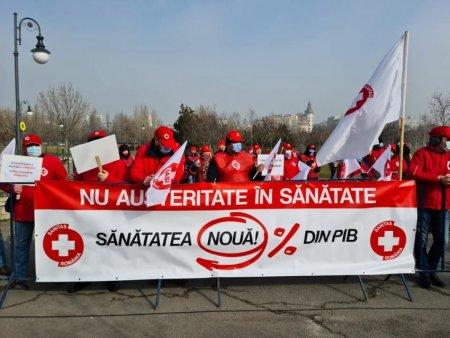 <span style='background:#EDF514'>SINDICALISTII</span> din Sanatate protesteaza in fata Guvernului