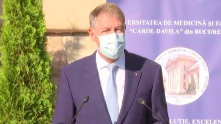 Klaus Iohannis, mesaj pentru medicii tineri: Nu trebuie sa ne mai aflam in situatia grava de a stinge incendii