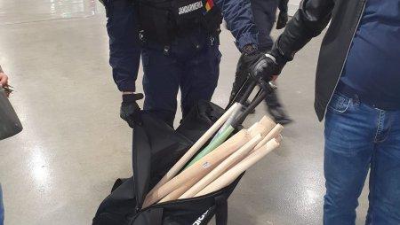 Jandarmii au gasit bate si torte intr-una din lojele stadionului din Banie, inaintea derby-ul Craiovelor