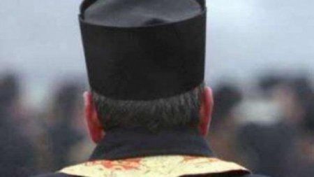 Preotul Crin-Triandafil Theodorescu: M-am vaccinat fluierand si o sa fac si boosterul