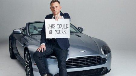 In sfarsit: Daniel Craig primeste o stea! Cat costa