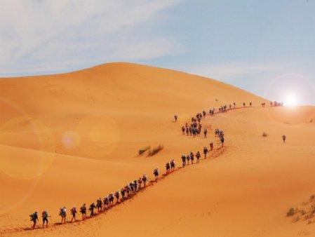 Maratonul Nisipurilor. Un concurent a murit pe dunele din desert