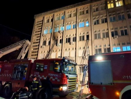 In ce stadiu se afla ancheta procurorilor in cazul incendiului de la Spitalul din <span style='background:#EDF514'>PIATRA NEAM</span>t: sute de audieri si zeci de expertize