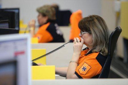 Un barbat din Caras-Severin a sunat la 112 sa se planga ca nu poate vorbi cu sotia pe Facebook