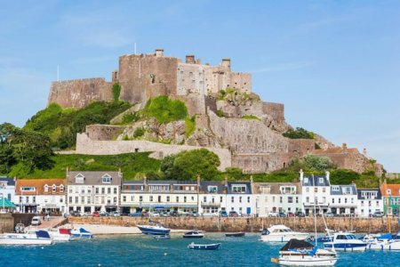 Franta ar putea opri alimentarea cu electricitate a unei insule britanice. <span style='background:#EDF514'>BREXIT</span> inseamna populism