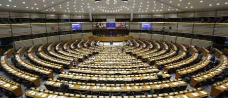 Parlamentul European: S-a solicitat ridicarea vizelor pentru calatoriile romanilor in Statele Unite