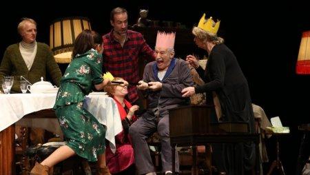 Mariana Mihut si Victor Rebengiuc din nou impreuna pe scena Teatrului National din Bucuresti in spectacolul Regele moare de Eugène Ionesco