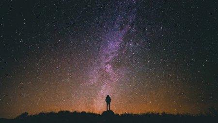 Horoscop octombrie 2021. Gemenii isi schimba viata in bine, Balantele se focalizeaza pe siguranta financiara
