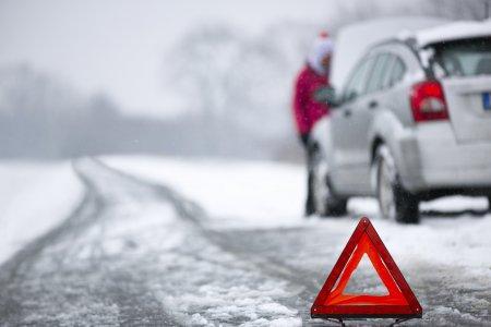RAR nu recomanda pneurile all <span style='background:#EDF514'>SEASON</span> pentru iarna. Ce litere apar pe cauciucurile legale in sezonul rece