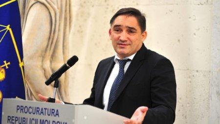 Procurorul general al Republicii Moldova, Alexandr Stoianoglo, retinut pentru 72 de ore. Perchezitii cu mascatii la biroul sau VIDEO