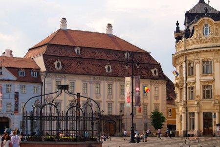 <span style='background:#EDF514'>MUZEUL</span> National Brukenthal, cel mai vechi din Romania, poate fi vizitat doar in anumite conditii