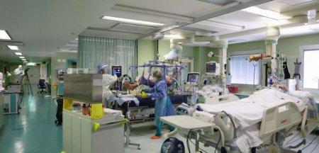 Medicii, disperati: Inchidem spitalele ca sa tinem carciumile deschise