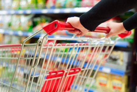 Cifra de afaceri din comertul cu amanuntul, principalul indicator pentru consumul privat, <span style='background:#EDF514'>BIFE</span>aza un avans de 12,4% la opt luni din 2021. In august, consumul s-a majorat cu 11,1% an/an