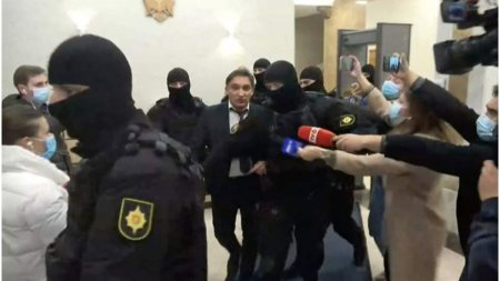 Procurorul general al Republicii Moldova a fost retinut pentru spalare de bani