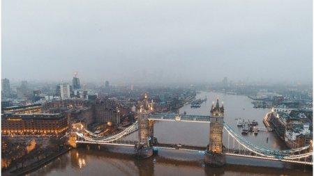 Londra, sub ape. Capitala Marii Britanii a fost lovita de inundatii