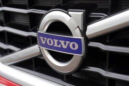Volvo Cars recheama 460.769 de masini din cauza airbagurilor care pot deveni mortale in cazul unui accident