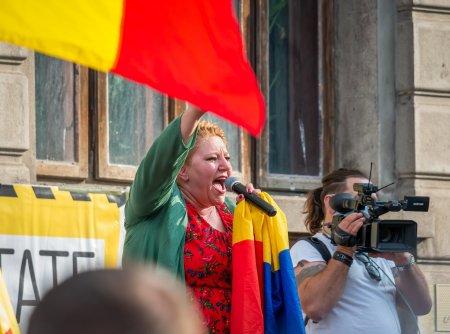 Erno <span style='background:#EDF514'>KOVACS</span>, sustinatorul Dianei Sosoaca la proteste, s-a infectat cu coronavirus: Vaccinati-va, dragii mei