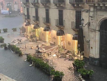 VIDEO | Tornada a facut prapad in Catania. Italia e sub cod rosu, lovita de furtuni si grindina