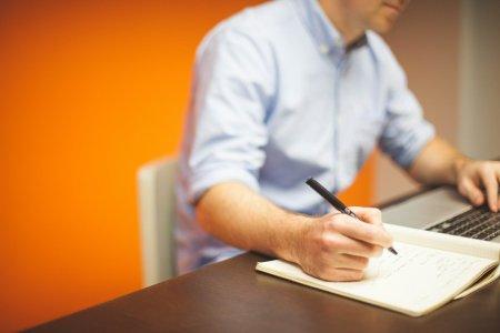 Ve<span style='background:#EDF514'>STI PRO</span>aste pentru angajatori! Amenzile sunt uriase! O noua lege va intra in vigoare luna asta