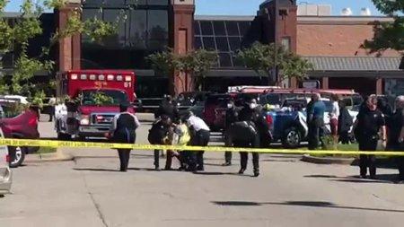 Atac armat la un liceu din Dallas