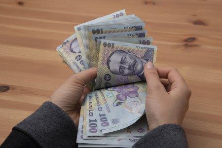 Se intampla de la 1 ianuarie! Cine va primi mai multi bani? Cresc <span style='background:#EDF514'>SALARIILE</span>