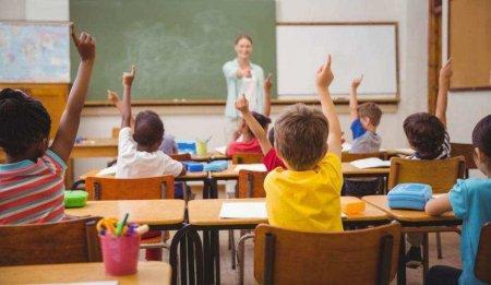 Guvernul a majorat nivelul burselor scolare