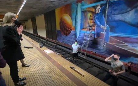 Ivan Patzaichin, omagiat la metrou printr-un <span style='background:#EDF514'>GRAFF</span>iti urias. Ultima tusa a fost data in prezenta fiicei: E fascinant ceea ce faceti