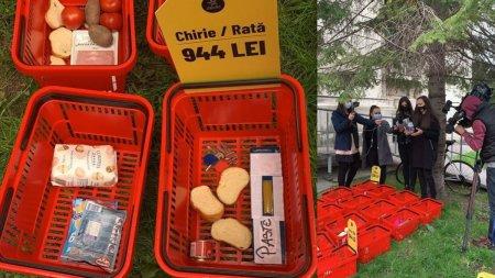Protest De<span style='background:#EDF514'>CLIC</span> cu cosuri de cumparaturi la Ministerul Muncii. Raluca Turcan, provocata sa traiasca cu salariul minim