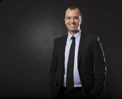 Surpriza: Microsoft si-a recrutat un sef cu ADN de antreprenor tech pentru subsidiara din Romania - pe Bogdan Putinica, care a devenit milionar la 30 de ani in 2006, dupa ce si-a vandut firma de soft unei multinationale; Din 2012 el ocupa pozitii de top management la nivel global pentru gigantul <span style='background:#EDF514'>SUEDE</span>z Enea