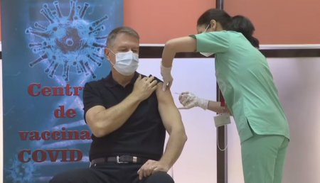 Klaus Iohannis a anuntat ca a fost vaccinat cu doza 3: Da, mi-am facut