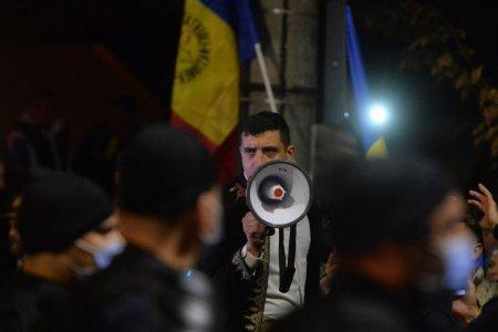 SONDAJ. Un sociolog explica scaderea increderii romanilor in UE si NATO. De vina e criza politica. In Romania apare un curent eurosceptic