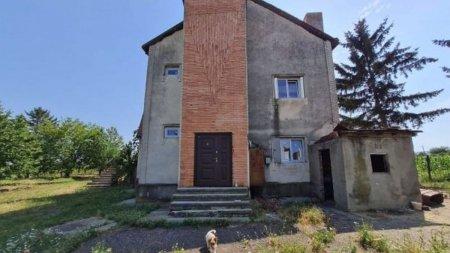 O fosta vila a lui Ceausescu, aflata in paragina, o sa fie transformata in camin pentru batrani
