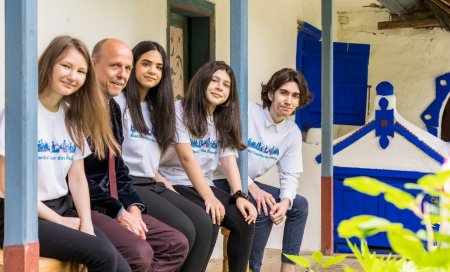 Platforma UNICEF cu Ministerul Educatiei care-i ajuta pe profesori sa le explice elevilor pandemia si mai ales, cum poate fi <span style='background:#EDF514'>OPRITA</span>